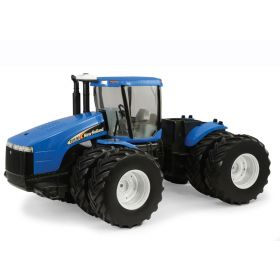 1/16 New Holland TJ-480 4WD w/duals Prestige Series w/decal sheet