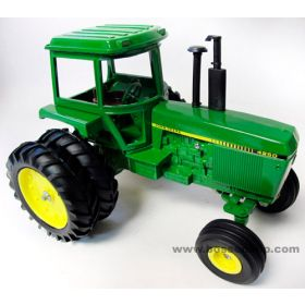 1/16 John Deere 4250 with duals 1982 Toy Farmer