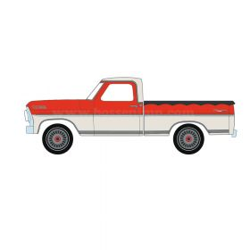 1/64 Ford Pickup F-100 1967 with bed cover