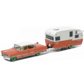1/64 Cadillac Fleetwood Series 1955 with Shasta trailer Green Chase unit