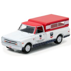 1/64 Chevy Pickup C-10 1968 w/topper Standard Oil 1
