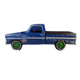 1/64 Ford Pickup F-100 1969 STP Oil Chase 2