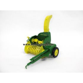 1/16 John Deere Forage Harvester with wagon set