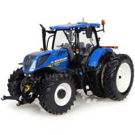 1/32 New Holland T7.225 MFD with rear duals