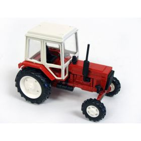 1/43 Belarus tractor in yellow & red box