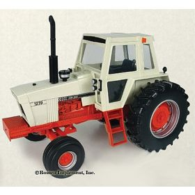 1/16 Case 1270 with cab and single Tires white