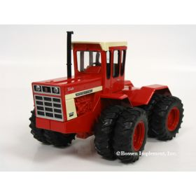 1/32 International 4366 4WD with duals & Red Cab