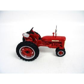 1/16 Farmall 230 NF '99 Toy Tractor Times