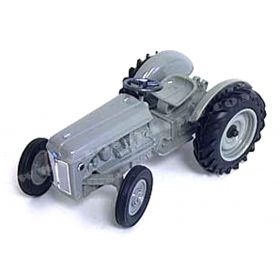 1/16 Ford 9N '95 Museum Tractor