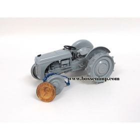 1/16 Ford 2N Precision Classic