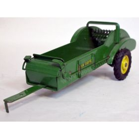 1/16 John Deere Spreader with short levers