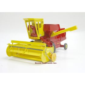 1/32 New Holland Combine with Grain Head