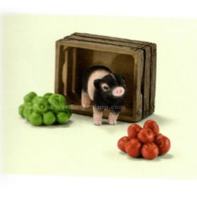 1/16 Mini Pig with Apples Set