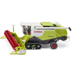 1/32 Claas Combine Lexion 770 on track