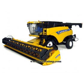 1/32 New Holland Combine CR-9090 on tracks