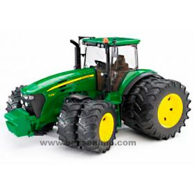1/16 John Deere 7930 MFD with front & rear duals plastic