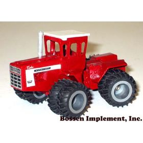1/64 IH 4568 4WD w/wide dual tires