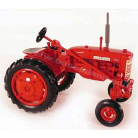 1/16 Farmall 130 2001 National Farm Toy Museum