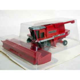 1/64 Massey Ferguson 8590 with grain head
