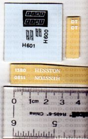 Decal 1/32 Hesston 1380 Set