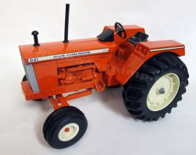 1/16 Allis Chalmers D-21 with fenders Series 2