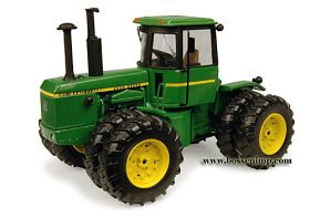 1/32 John Deere 8440 4WD with duals Collector Edition