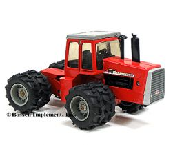 1/32 Massey Ferguson 4880 4WD with duals