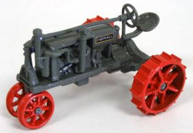 1/43 McCormick Deering Regular