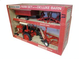 1/16 International 886 Farm Set