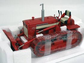 1/16 International Crawler TD-340 w/blade red '99 Summer Show