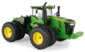 1/32 John Deere 9620R 4WD with duals Revised engine covers