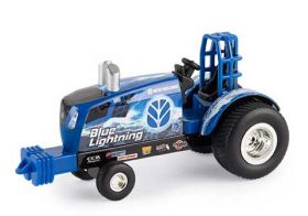 1/64 New Holland Blue Lighting Puller Tractor