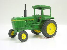 1/16 John Deere 4430 with caps