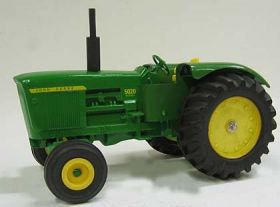 1/16 John Deere 5020 in Green & Yellow Box Diesel