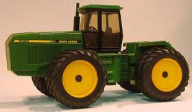 1/16 John Deere 8560 4WD with duals