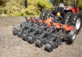 1/64 Zone Builder Subsoiler 132 UM 6 Shank with Firmer