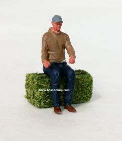 1/64 Figure Sittng with sweatshirt