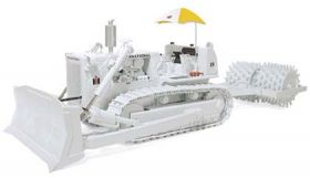 1/25 International Crawler TD-25 with Blade & Sheep's Foot Roller White