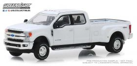1/64 Ford Pickup F-350 King Ranch 2018 dually Oxford White
