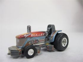 1/64 AGCO Silver Bullet 8810 Pulling Tractor