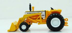 1/64 Minneapolis Moline G-940 WF with loader