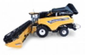 1/32 New Holland Combine CR10.90 w/grain platform