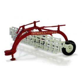 1/64 Rake Side Delivery Assembled red & white