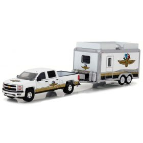 1/64 Chevrolet Silverado with Enclosed Trailer