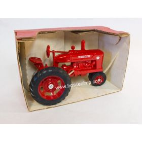 1/16 Farmall M NF 1986 PLP Canadian Toy Show First Edition