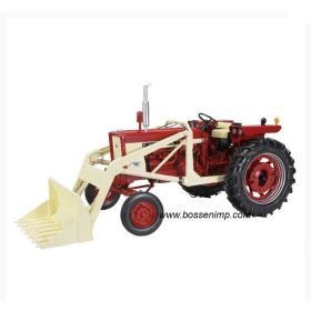 1/16 Farmall 504 WF Gas with loader & tire chains